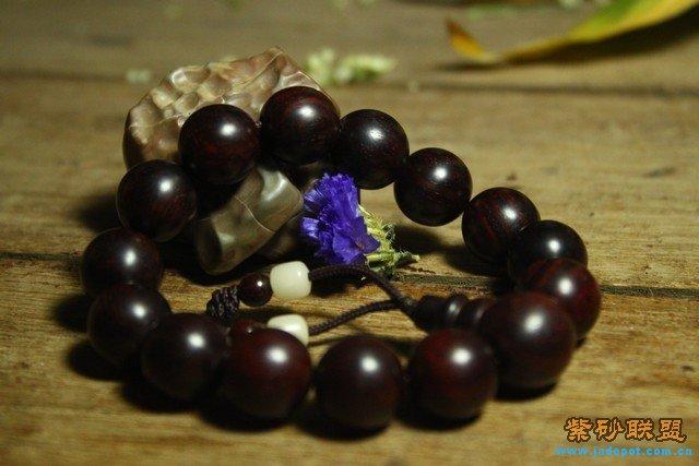 小叶紫檀木手串1.5珠径微起包浆