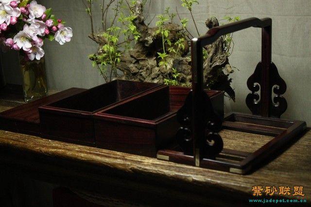 传统暗榫卯结构,铜活镶嵌